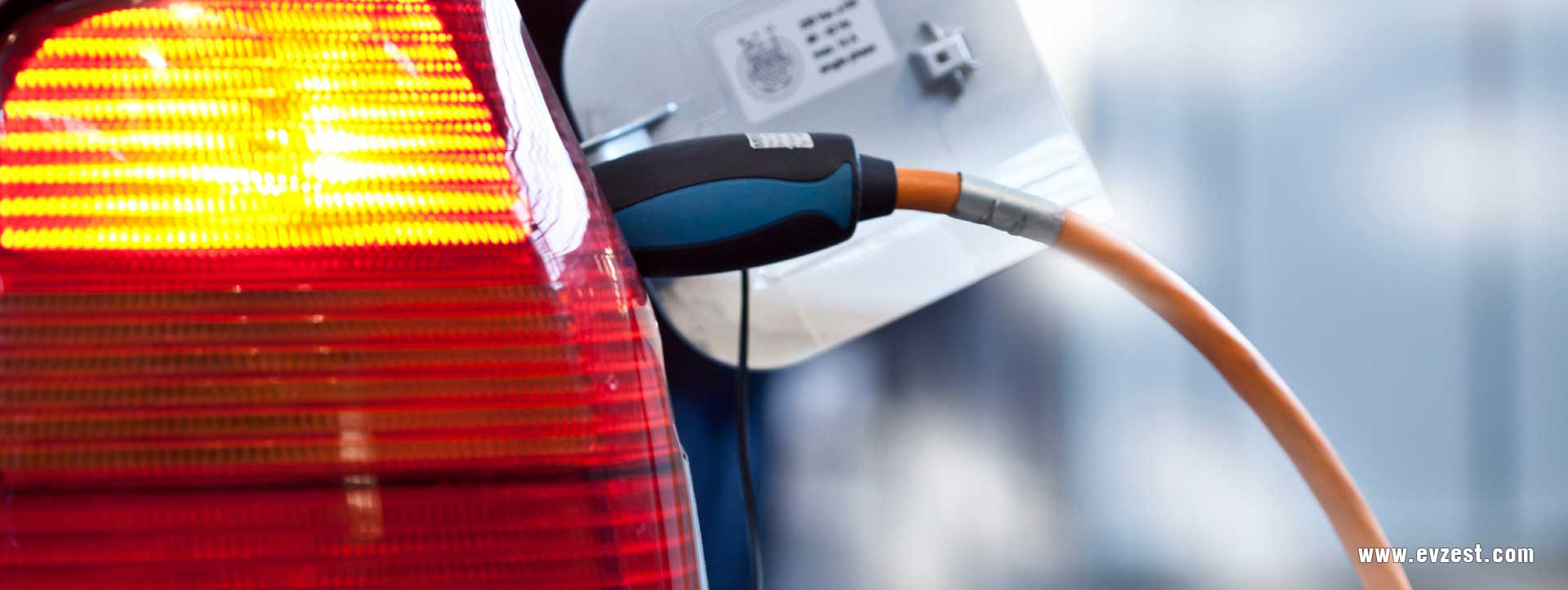 commercial electric car charging station ev charging station mobile electric vehicle charger station manufacturers in India